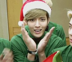 Merry Christmas from Yifan (and cute Tao in the background)(.gif) #exo #kris