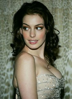 Anne Hathaway - Most Beautiful Girls Hollywood Celebrities, Hollywood Actresses, Anne Jacqueline Hathaway, Beautiful Celebrities, Beautiful Women, Beautiful Smile, Anne Hattaway, Actrices Hollywood, Portrait