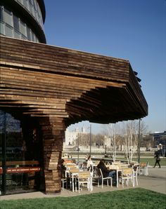 Parkside Pavilion showing canopy and outdoor seating