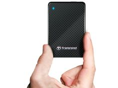 The Transcend 1TB Pocket-Sized Solid State Drive features 1 TB of storage, fast 410 MB/s transfer rate via USB 3.0, and the size of a deck of cards. getdatgadget.com/transcend-1-tb-pocket-sized-solid-state-drive/ I need to get one!