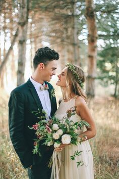 stunning bouquet and flower crown in the woods - the perfect summer wedding…
