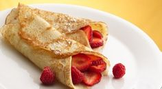 How to make crepes: step by step; Crepes are so hot right now – and not just in the literal sense. Food trucks and coffee shops are getting in on the French fare trend and serving up the European street food in endless combinations of fillings, inspired by everything from curries to pumpkin pie.
