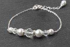 Bridal bracelet, White pearl and crystal Bracelet, white Wedding bracelet, white bridesmaid Bracelet, white wedding jewelry, Bridesmaid Gift by CharmanteBijoux on Etsy
