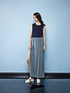 NAVY TANK TOP & tourquise maxi skirt  On keycestore Street Wear, Normcore, Navy, Tank Tops, Womens Fashion, Skirts, Style, Hale Navy, Skirt