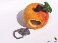 Apfelmäuschen (goldgelb) von TaFiO Land auf DaWanda.com