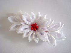 White Kanzashi Clip White Tsumami Kanzashi White Bridal Kanzashi Hair Clip Japanese Hair Clip Winter Berries