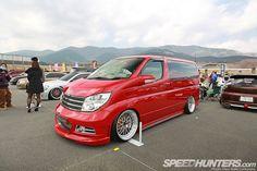 Nissan Elgrand E51 Tuning Nissan Vans, Nissan Elgrand, Japanese Party, Bmw E9, Japanese Domestic Market, Vanz, Van Car, Day Van, Cool Vans
