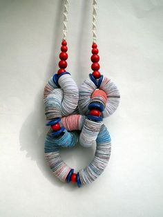 "Paper necklace - by ""effemera"" (Liz Hamman)"