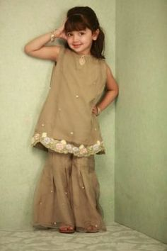 Stylish Formal Dresses For Baby Girls Baby Girl Wedding Dress, Wedding Dresses For Kids, Fancy Dress For Kids, Girls Formal Dresses, Little Girl Dresses, Baby Dresses, Baby Girl Frocks, Frocks For Girls, Kid Outfits