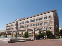 The Leavey Library at the University of Southern California is often cited as a model of a modern academic library. The building opened in Toyama, Usc Trojans, University Of Southern California, Primary School, Library University, College, Family Rooms, Mansions, Deco