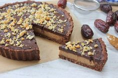 Peanut butter and chocolate no bake pie!! Gluten free, vegan and positively dreamy!