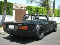 1972 Triumph TR6 Roadster Flared and Modified Rear