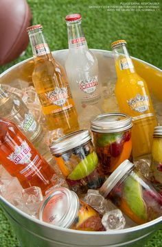 This delicious gameday hack is perfect for traveling with the team or getting rowdy at your homegate. Just mix your favorite fruit with your favorite Smirnoff Ice flavor for a tasty mason jar tailgate drink.