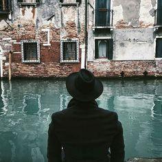 ✴ Venezia, Italy...  Photo from @da.vi.de!  Anonimo Veneziano...  Have you ever visited this mysterious and magical city?   #venice #venezia #veneto #gondola #venecia #igersveneto #igersvenezia #venise #venedig #ig_veneto #visitveneto #ig_venice #veniceitaly #venetissimo #...