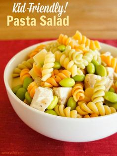Kid Friendly Pasta Salad - A healthy meal full of kids' favorites! - wearychef.com