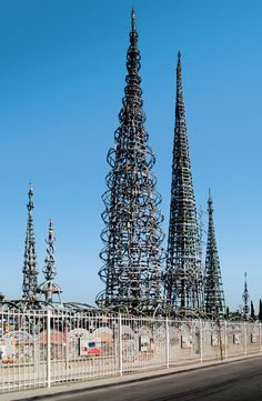 Watts Towers is one of our picks for the must-see architectural landmarks in Los Angeles, California. See the rest now. Classical Architecture, Architecture Photo, Watts Towers, The Broad Museum, Blue Building, Los Angeles Travel, City Of Angels, Dream City, Los Angeles California