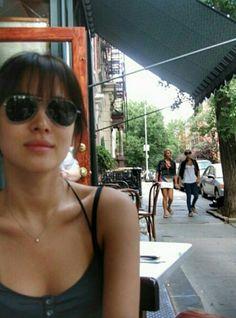 SHK [cr. owner] Cute Asian Girls, Girls In Love, Korean Women, Korean Girl, Korean Celebrities, Celebs, Song Hye Kyo Style, Pretty Songs, Korean Star