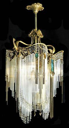 If my rings were a chandelier. Art Deco Hector Guimard chandelier May b Art Nouveau vs. see all the curves! Estilo Art Deco, Arte Art Deco, Moda Art Deco, Art Deco Chandelier, Art Deco Lighting, Chandelier Lighting, Antique Lighting, Luxury Chandelier, Crystal Chandeliers