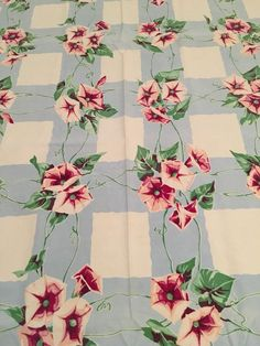 VINTAGE WILENDUR PINK PURPLE MORNING GLORIES BLUE LATTICE CHIC COTTAGE T CLOTH!!
