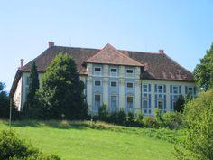 Beautiful baroque Statenberg Castle #StatenbergCastle #Stajerska #Slovenia #placestovisit #travel #thingstodo #mustsee #MagicalPlace #castle #baroque