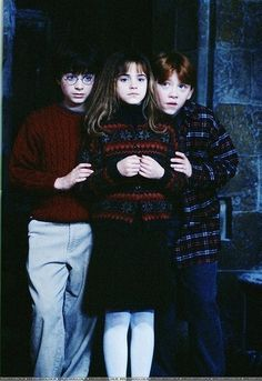 Harry Potter, Hermione Granger, and Ron Weasley. The Golden Trio! Harry And Hermione, Harry Potter 3, Estilo Harry Potter, Fans D'harry Potter, Mundo Harry Potter, Harry Potter Pictures, Harry Potter Characters, Harry Potter Universal, Harry Potter Children