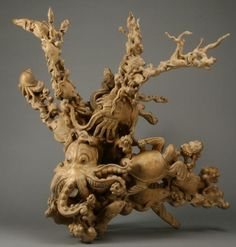 172: Intricately carved Thai tree root sculpture : Lot 172