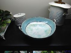 Slab functional pottery- Michelle James Serving Bowls, Pottery, Clay, Pure Products, Tableware, Hands, Ideas, Ceramica, Clays