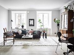 Living room Scandinavian style interior and decor, nordic feel, kelim shag rug Living Dining Room, Home And Living, Interior Design, House Interior, Living Room Inspiration, Living Room, Home, Interior Design Living Room, Dreamy Bedrooms