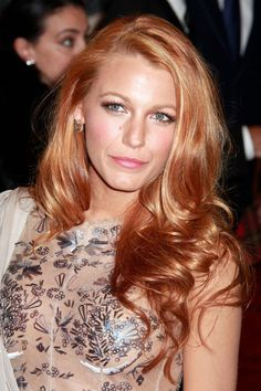 New hair copper blonde blake lively Ideas - Strawberry Blonde Strawberry Hair Color, Light Strawberry Blonde, Hair Color Dark, Blonde Color, Blonde Highlights, Hair Colour, Gold Blonde, Copper Hair, Copper Red