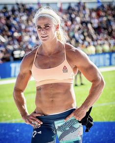 Sara Sigmundsdottir, Chico Fitness, Sport Top, Crossfit Women, Muscular Women, Gymnastics Girls, Sporty Girls, Muscle Girls, Healthy Women
