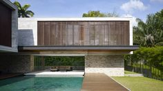 JKC2 house immersed in the tropical refuge of Singapore