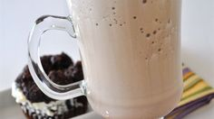 Iced Mocha Fusion Shake: Combine cup milk, 1 tsp vanilla, 3 tbsp sugar, 3 tbsp mocha flavored coffee mix, and 1 cup of crushed ice in a blender. Punch Recipes, Shake Recipes, Drink Recipes, Dessert Recipes, Healthy Recipes, Smoothie Ingredients, Smoothie Recipes, Mocha Punch Recipe, Blended Coffee Drinks
