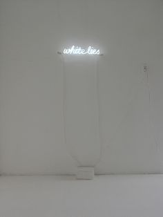 In a series of works in neon, Soledad Arias presents evocative words and phrases written in light. In White Lies, she creates a visual representation that allows for multiple interpretations.