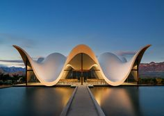 Completed in 2016 in South Africa. Images by Adam Letch. The new chapel, set within a vineyard in South Africa, is designed by South-African born Coetzee Steyn of London based Steyn Studio. Architecture Paramétrique, Religious Architecture, Amazing Architecture, Contemporary Architecture, Cultural Architecture, Amazing Buildings, Architecture Portfolio, Aarhus, Photo D'architecture