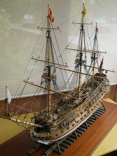 Siglo 16, el buque de guerra español Armada Real, número de St. Philip, velero de madera. San Felipe