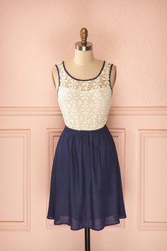 Candic Indigo ♥ Les petites filles sages ont également leur uniforme pour les jours de romance .