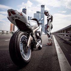 Suzuki GSX-R 1000☆☆ egerr8.tumblr.com/ ☆☆ ☆ ☆ extyne.tumblr.com/ ☆☆
