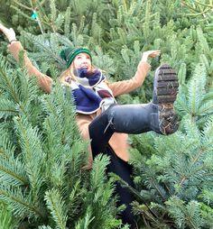 Zoe's addiction to Christmas is extreme xxxx Zoella Christmas, Winter Christmas, Christmas Trees, Zoella Hair, Zoe Sugg, Girl Online, My Best Friend, My Idol, Youtubers