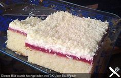 Frau Holle Kuchen - Blechkuchen / Tassenkuchen (hier mit Erdbeeren, Obst variabel)