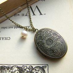 Poppy Locket, Brass Locket Necklace, Flower Locket Necklace, Personalized Necklace, Antiqued Brass Locket, Victorian Locket on Etsy, $20.00