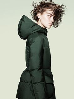 Today I would like to share with you this Autumn-Winter campaign of +j Jil Sander for Uniqlo, where fashion model Arizona Muse is dressed in cool outerwear militant theme. David Sims, Jil Sander, Cardigan Blazer, Look Fashion, Winter Fashion, Korean Fashion, High Fashion, Fashion Ideas, Mode Statements