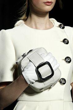 Prada包和衣的搭配1