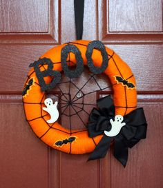 Halloween Wreaths, Ghosts, Trees and Door Decor-A Must See! It's Written on the Wall: Halloween Wreaths, Ghosts, Trees and Door Decor-A Must See! Spooky Halloween, Halloween Door Wreaths, Halloween Door Decorations, Theme Halloween, Halloween Signs, Holidays Halloween, Halloween Crafts, Halloween 2019, Vintage Halloween