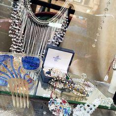 Gorgeous #vintageshop #iconstyle #upperwestside #nycinstagram #nycstylelittlecannoli #iloveny #newyorknewyork #thebigapple #NYCexplored #nycprimeshot #insta_nyc #photooftheday #traveltuesday #ig_traveltheworld #usa #jewelry #shopping