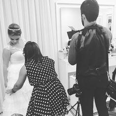 Momentos únicos que ficam para sempre na memória e na história de alguém ! ❤️@rayannemaropo obrigada por me fazer participar deste momento ! #ateliermairamelki #vestidosmairamelki #bridedress #bride #noivas #noivasjp #casamentosjp #casamentos #juliomarinho #joaopessoa #paraiba #brasil #bordadomairamelki #weddingdress #wedding #vestidodossonhos #rendachantilly #delicado #romantico http://gelinshop.com/ipost/1515252502206626343/?code=BUHQh9jDDon