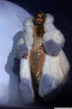 Taking proper cues from mum, Jerry Hall, Georgia May Jagger has recently been appointed as the fresh face of Thierry Mugler's Angel fragrance. Fur Fashion, Runway Fashion, Fashion Art, Vintage Fashion, High Fashion, Georgia May Jagger, Lady Gaga, Beyonce, French Fashion Designers