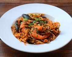 Seafood spaghetti {T...