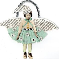 IsabellasCloset: ~My grumpy littlle Fairy altered art~ Altered Books, Altered Art, Altered Tins, Altered Images, Mixed Media Collage, Collage Art, Painting Collage, Photos Folles, Paper Art