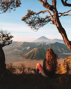 Mount Bromo is known as one of the most attractive tourist destinations in East Java. With its status as an active volcano, Mount bromo gives such an. Cool Places To Visit, Places To Go, Voyager Seul, Cool Captions, Australia Photos, Active Volcano, Underwater Life, Seven Wonders, Great Barrier Reef