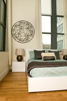 Want to redecorate your bedroom, but don't have the budget? Here are some great tips from The Budget Decorator.